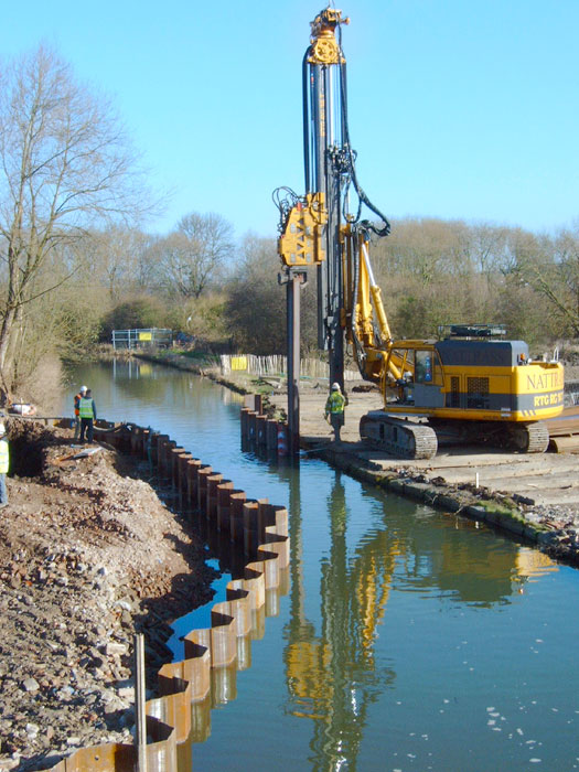 Ilkeston Canal piling works