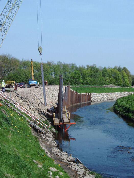 marine-piling-river-bend
