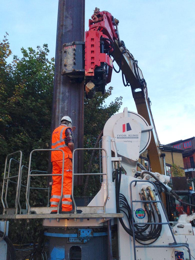 Giken supercrush vibration-free piling installation