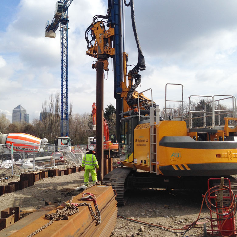 Quebec way telescopic leader rig stalling steel sheet piling