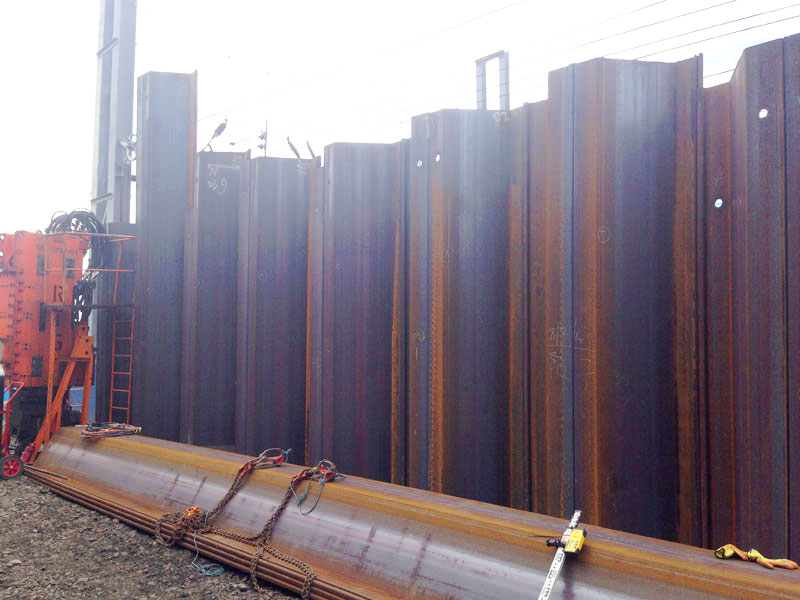 Steel sheet piling next to railway at Old Oak Common Approach