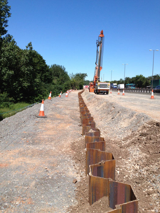 Steel sheet piling retaining wall