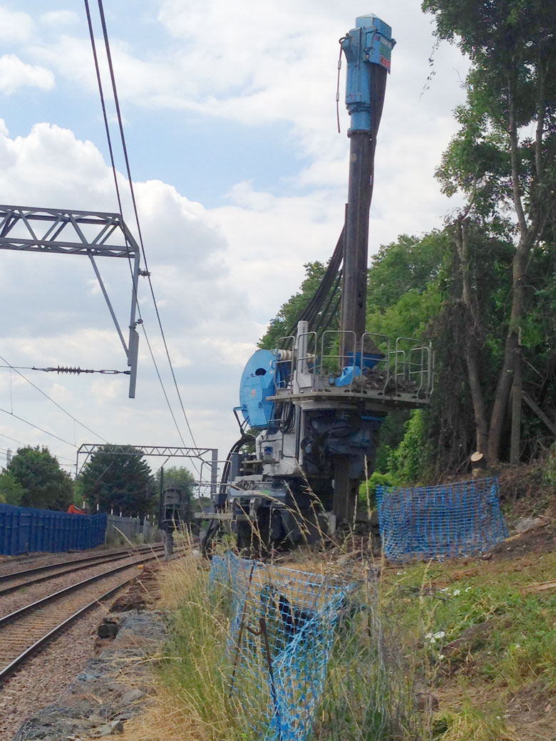 Telescopic leader rig at West Hampstead Station